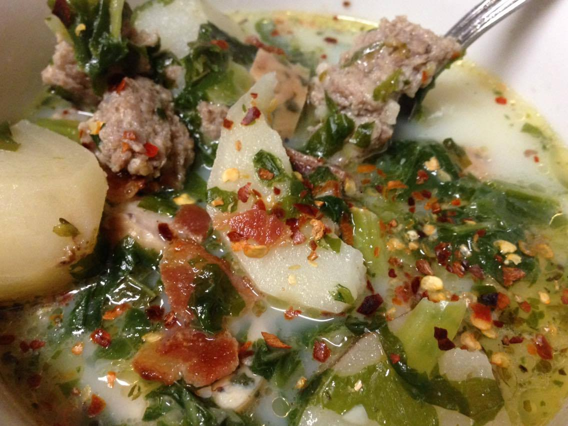 Healthy Zuppa Toscana Soup - 21 Day Fix Approved - Adventures of a ...